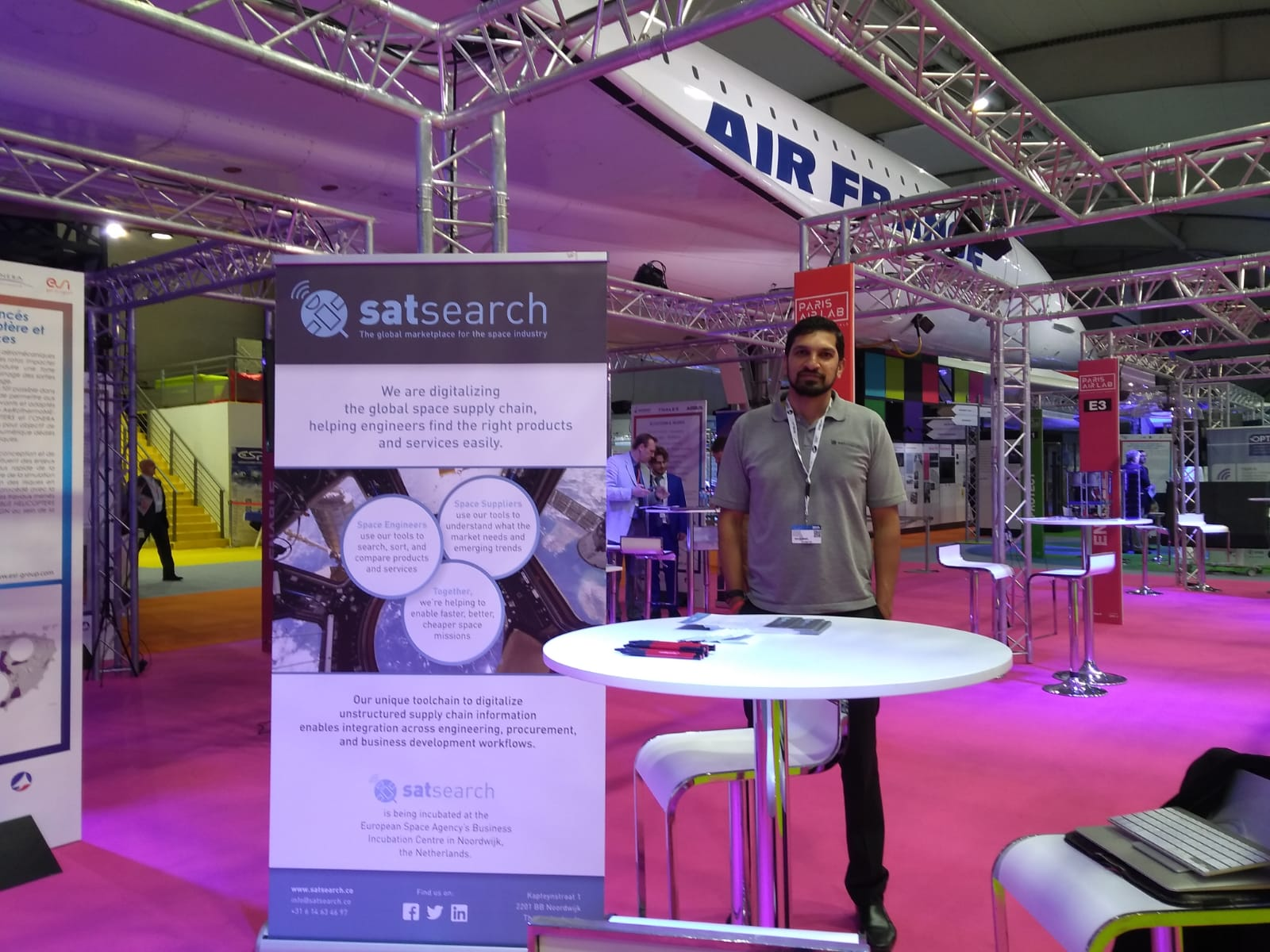 The satsearch booth at the Paris Air Show